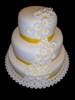 Třípatrový dort v marcipánu